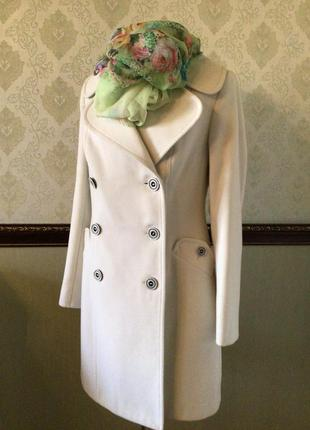 Шерстяное фирменное пальто