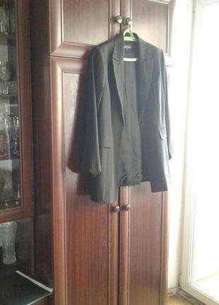Женский деловой костюм в полоску двойка пиджак и брюки vroom&dreesmann(v&d).