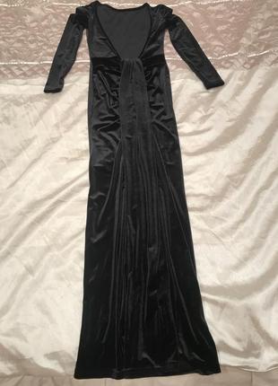 Вечернее бархатное платье с открытой спиной