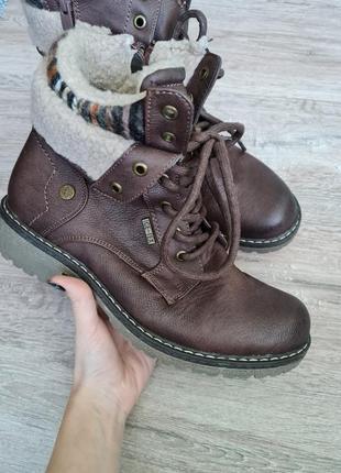 Ботинки высокие сапоги чоботи черевики