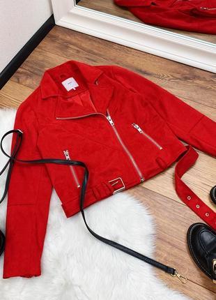 Красная плотная косуха с поясом