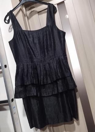 Сукня з баскою