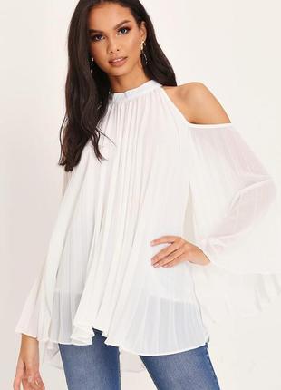 Новая плиссированная блуза с открытыми плечами и широким рукавом
