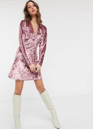 Asos платье розовое велюр велюровое миди классическое с длинным рукавом
