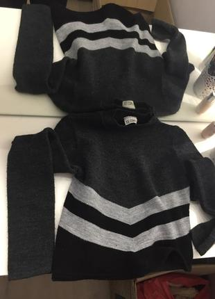 Укороченый свитер кофта
