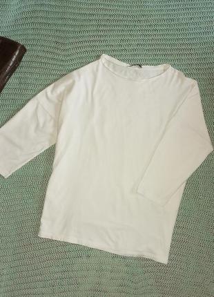 Хлопковая футболка  zara со спущенным плечом over size