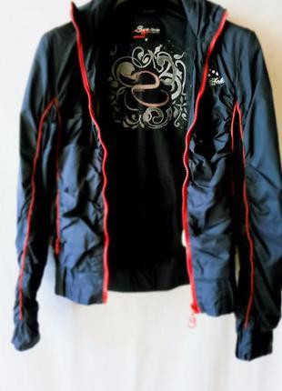 Модна куртка (ветровка)