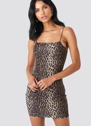 Мини платье в леопардовый принт