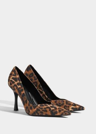 Леопардовые туфли/лодочки bershka.