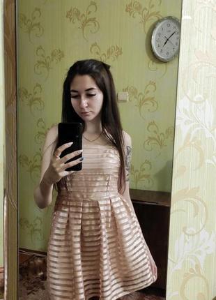 Коктельное платье с сеткой