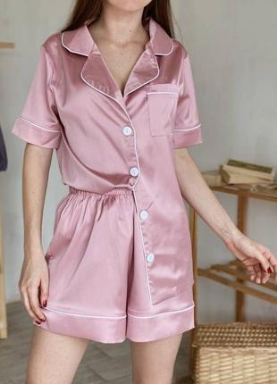 Атласный комплект пижама шорты и рубашка с коротким рукавом
