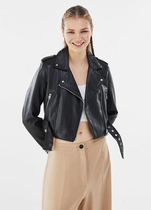 Новая укороченная куртка bershka