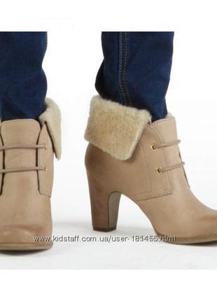В наличии ecco новенькие классные ботиночки ))