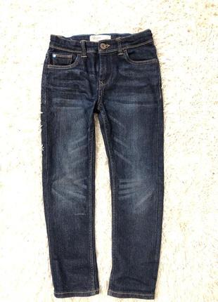 Фирменные джинсы  для мальчика на 7 лет
