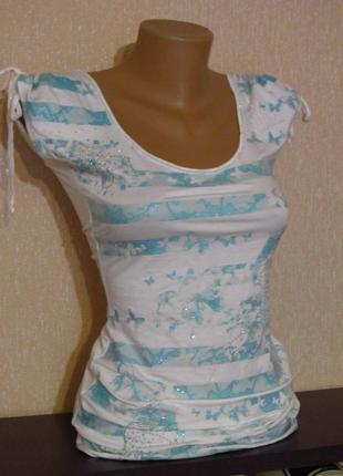 Летняя нарядная удлинённая футболка с бабочками от jane norman.