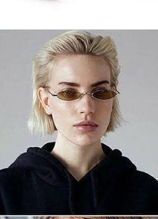 Стильные узкие овальные очки