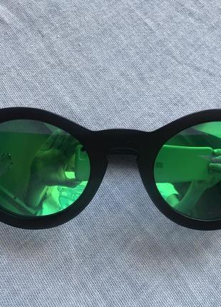 Сонцезахисні окуляри. дерев'яна оправа!