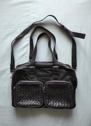 Великолепная вместительная сумка в деловом стиле от liebeskind berlin