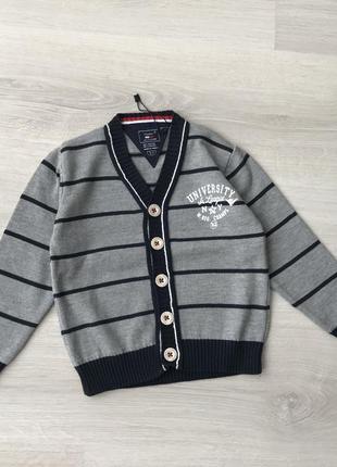 Стильный джемпер свитер на 3-4года