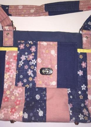 Отличная текстильная сумочка с карманами