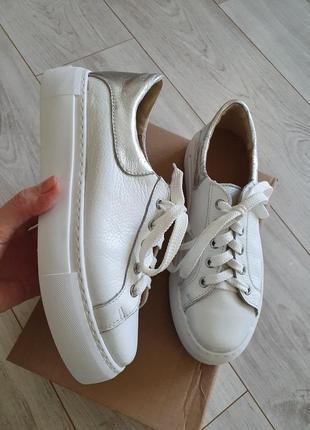 Белые кожаные кеды кроссовки пр-во украина 41р