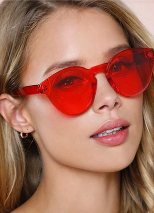 Стильные очки без оправы красные