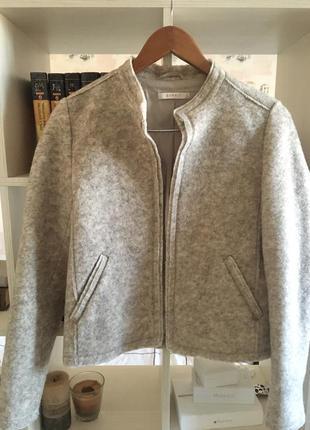 Весенний пиджак жакет с шерсти