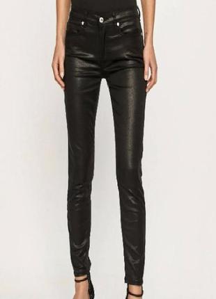 Блестящие черные джинсы  заужены штаны трендовые италия