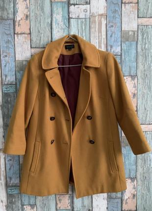 Пальто горчичное