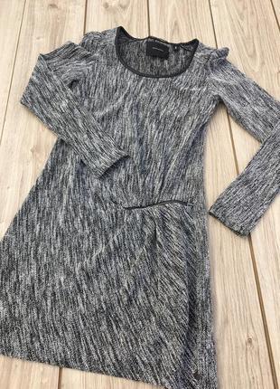 Стильное актуальное платье maison scotch & soda мини миди тренд