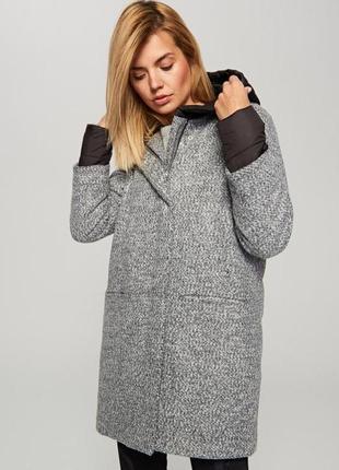Reserved пальто серое с черным капюшоном полупальто куртка курточка