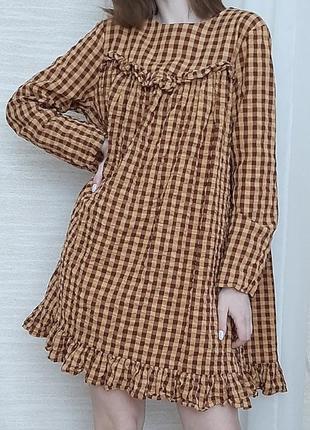 Хлопковое платье с баской