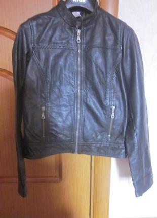 Кожаная курточка laredoute xxs-xs. франция. почти новая