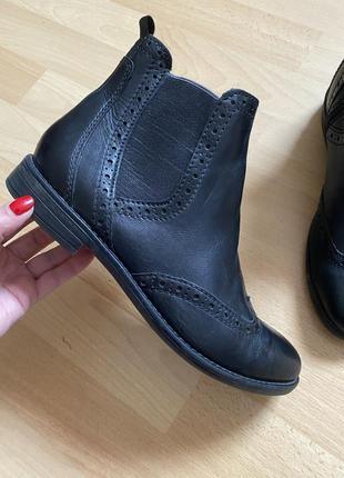 Кожаные сапоги ботинки челси clarks