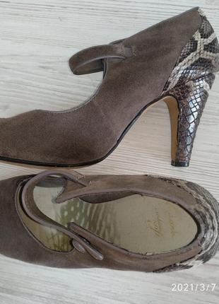 Туфли женские очень классные ,, замш + кожа питона 38,5