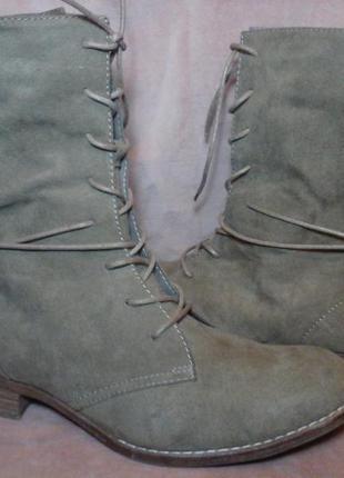 Замшевые высокие ботинки на шнуровке
