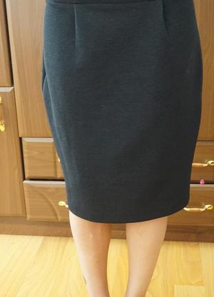 Строгая юбка на бедра 98 см. без дефектов состояние идеальное