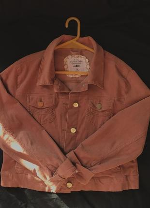 Куртка из микровельвета приятного цвета