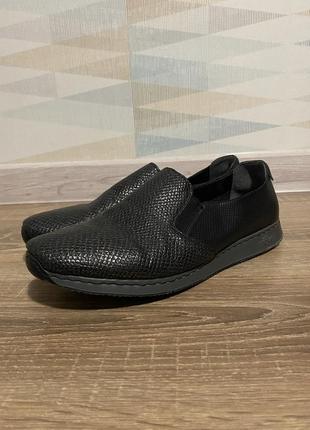 Лоферы слипперы мокасины туфли кеды