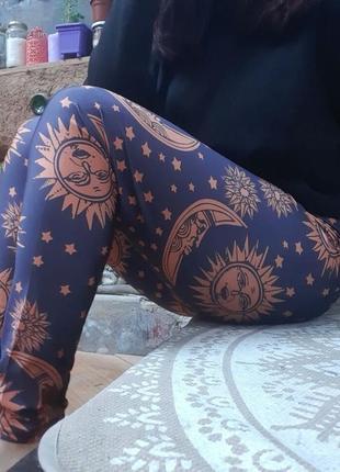 Стрейчевые женские леггинсы лосины для фитнеса спорта принт солнце и луна эзотерика