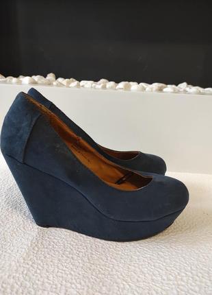 Распродажа! стильные, брендовые туфли на танкетке