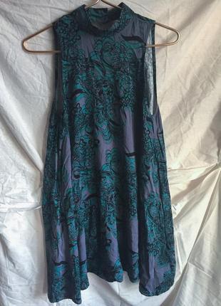 Вискозное платье в цветочный принт с открытой спинкой с чокером трапеция  свободное