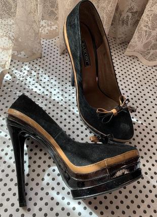 Женские туфли на высоком каблуке basconi