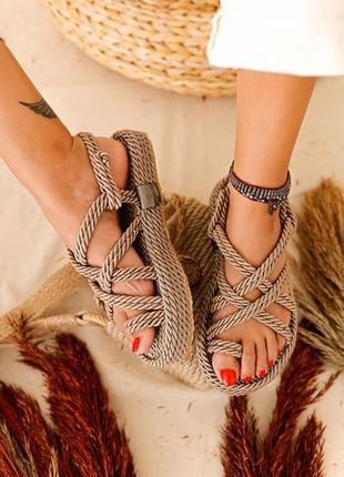 Снова в наличии! плетеные сандали на платформе 💍 платина 💍