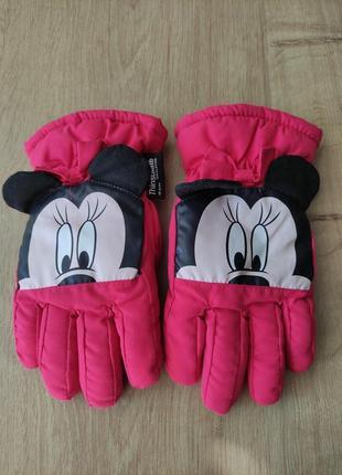 Детские фирменные лыжные термо перчатки disney  от c&a, 7-8 лет