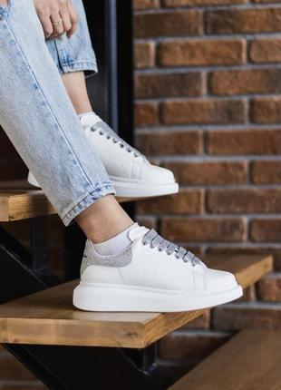 Женские кроссовки alexander mcqueen white gray