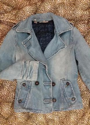 Стильный утеплённый джинсовый пиджак mango