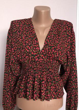 Романтичная блуза с цветочным принтом pull&bear