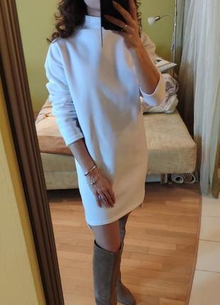 Оверсайз трикотажное платье туника мини белое на флисе платье-худи4 фото