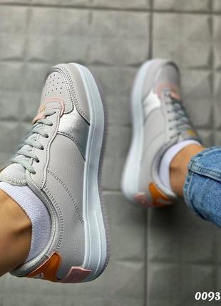 Кроссовки с цветными вставками7 фото